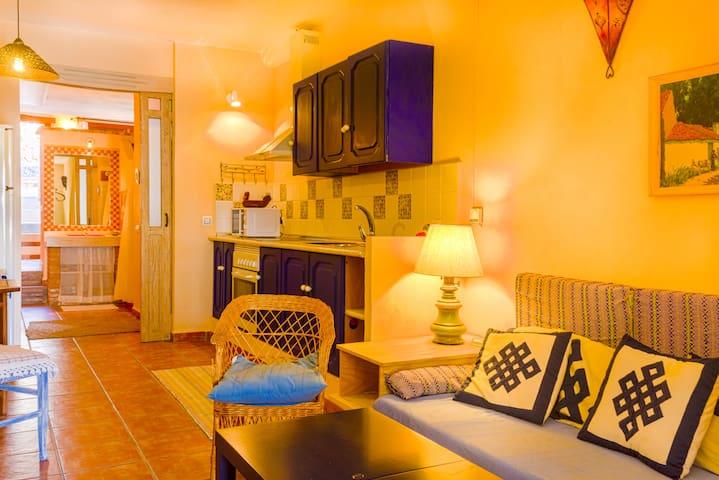 Almería's Puerta Alpujarra - Instinción - Apartamento
