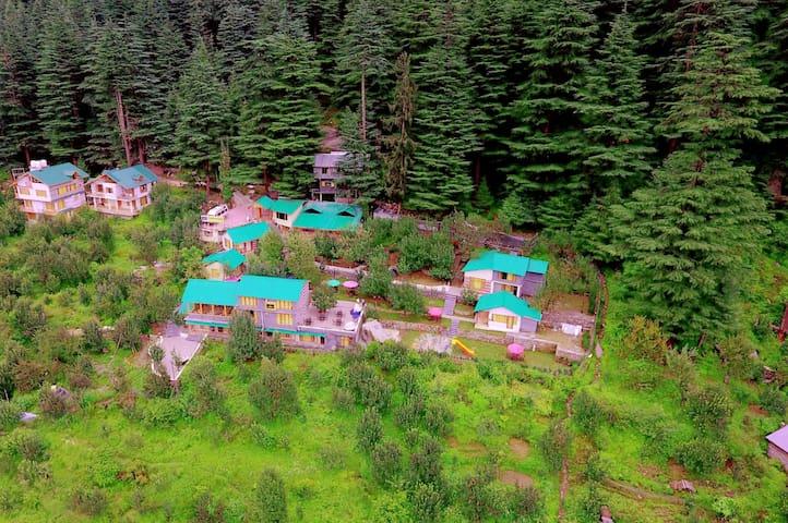 Amara Resorts @ Manali, Best Mountain View Resort