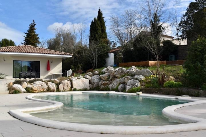 Super stylish villa w/ pool - 20min to Montpellier