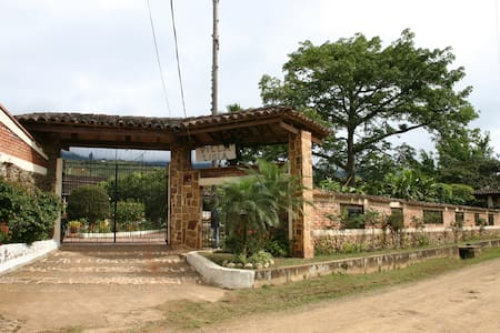 Villa Ligia Estate in El Carmen Colombia - El Carmen