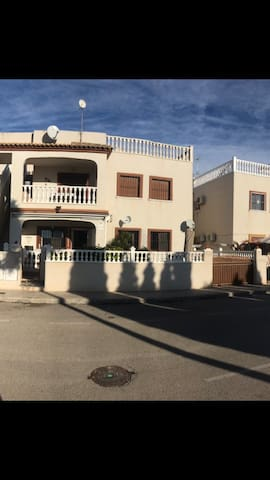 Bungalow near Sea, Golf courses and shops