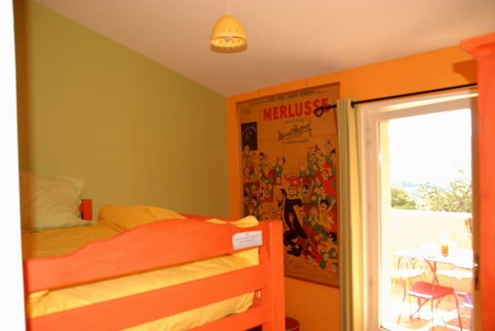 Chambre 3 - lit superposé accès direct à la terrasse