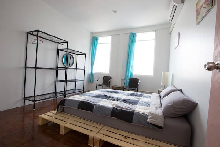 Zee Thai Hostel Khaosan:Private Room Double bed 16