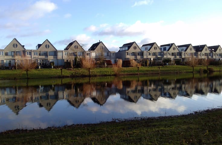 Townhouse at lake, 3 bedrooms. - Ede - Haus