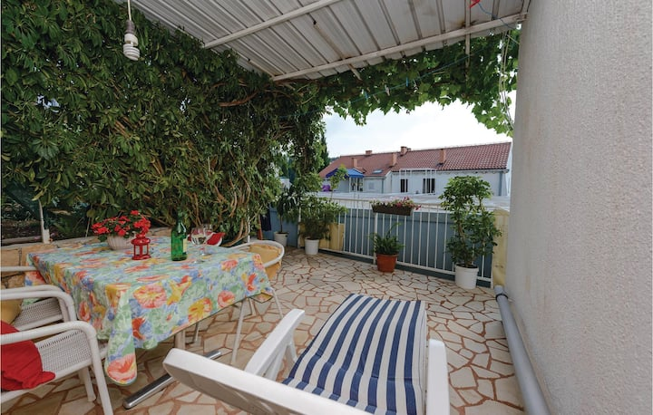 Awesome home in Cavtat with WiFi and 1 Bedrooms