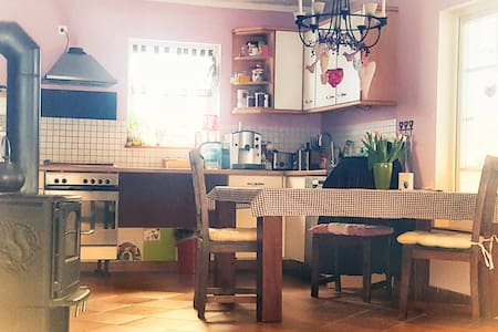 Zimmer in idyllischem Schwedenhaus Nähe von Berlin