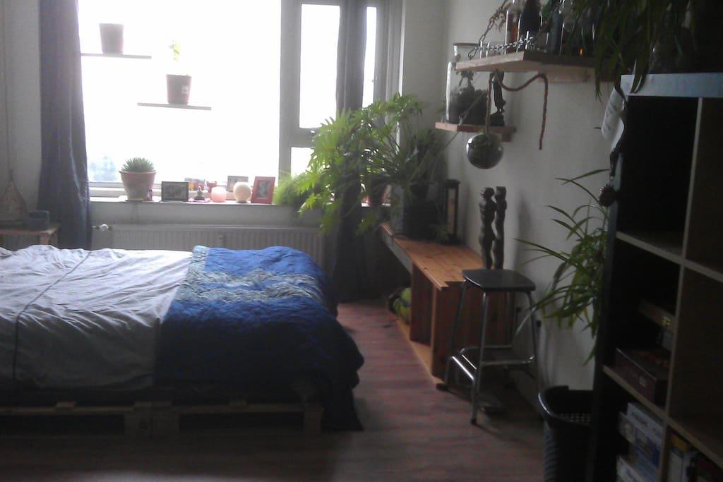 Bright bedroom number 2
