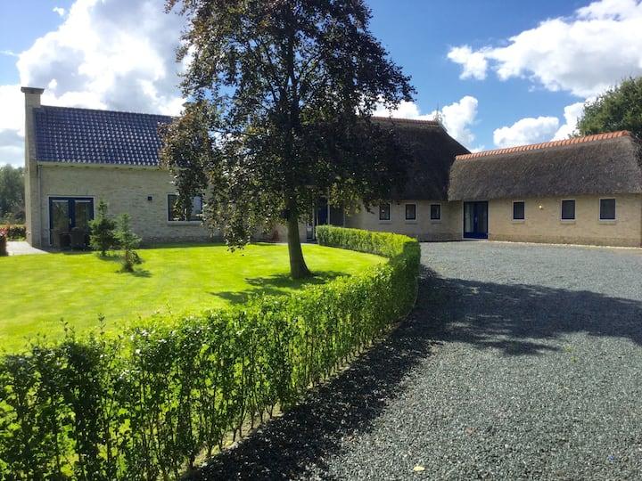 Elegant farmhouse in Friesland