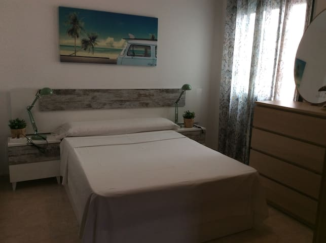 Nice bedroom with double bed- Canet de Berenguer