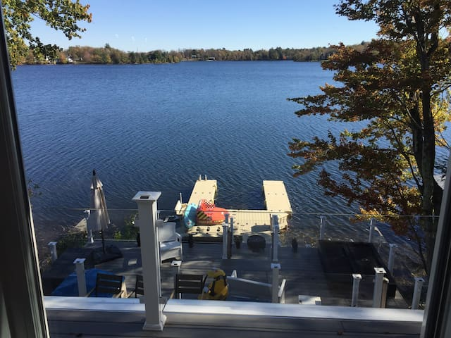 Modern Catskill Lakefront Getaway!!!