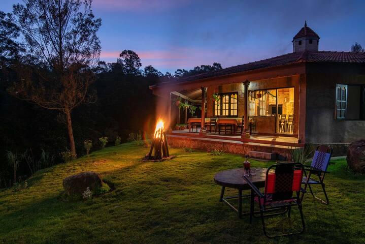 Luxurious Farm Stay w/ Forest Treks