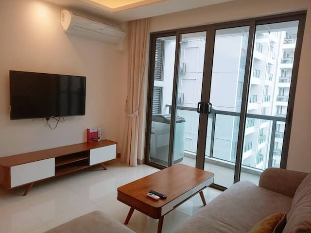 {R&F Mall}, Galaxy 2 bedrooms with nice view
