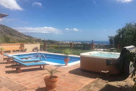 Private guest house with pool and Jacuzzi - Nerja - Villa