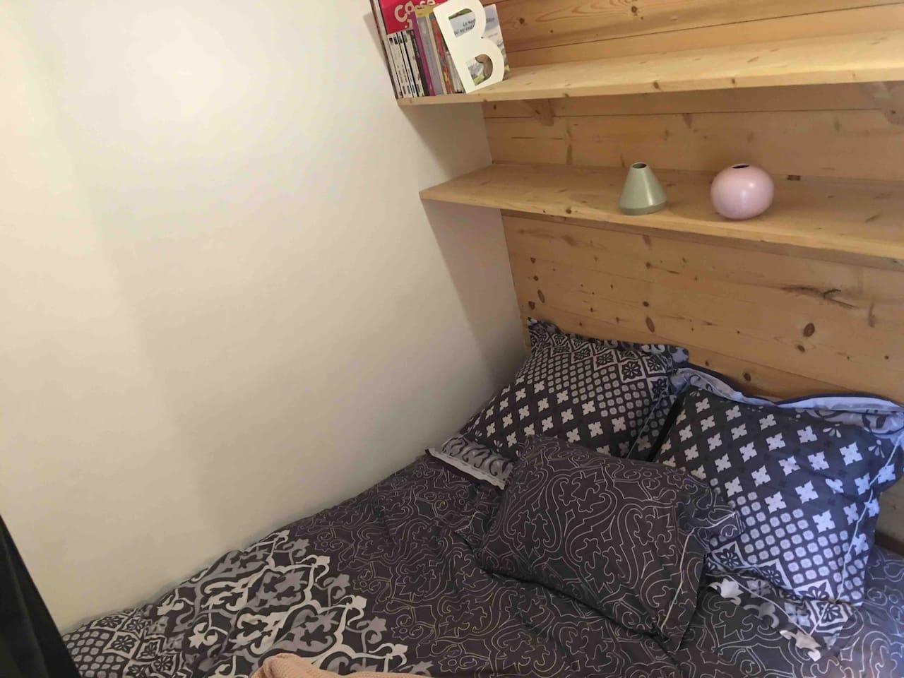 Chambre avec un lit double en 140*190 Lits sont faits à l arrivée