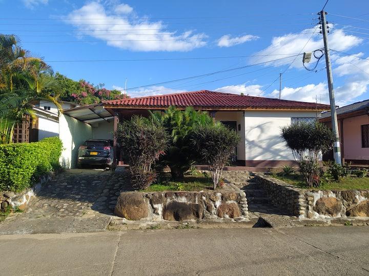 Acogedora casa vacacional en Alpujarra tolima