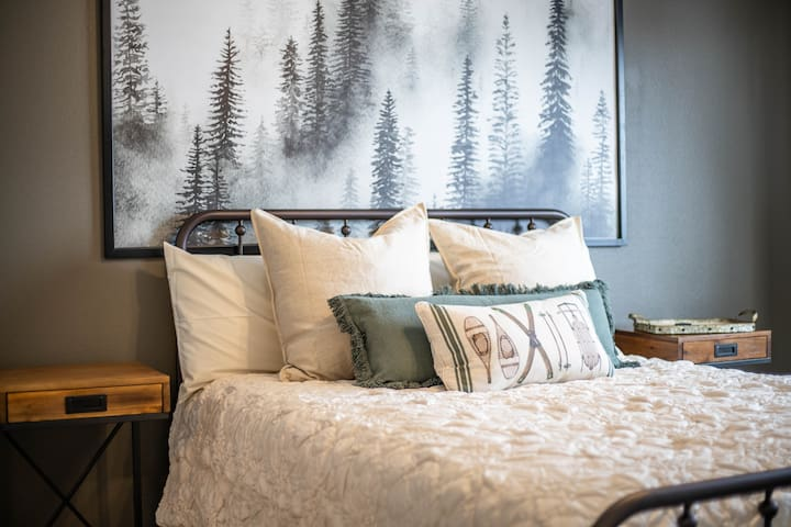 Cozy Park City Condo W/Two Queen Beds!