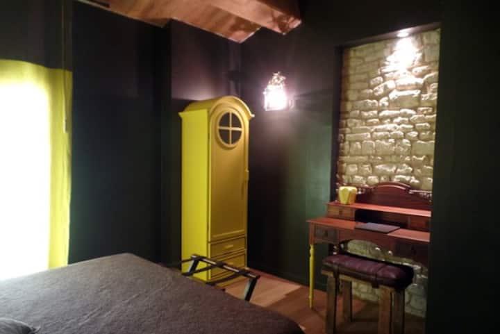 Hirondelle, chambre dhôtes au Nid de La Collégiale