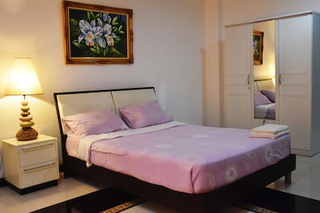 Spacious & Cozy Room-close to Beach and Central - Pattaya City - Квартира