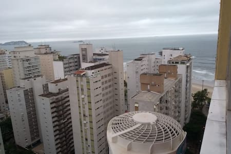 Flat no Guarujá, 1 quadra da praia e shopping