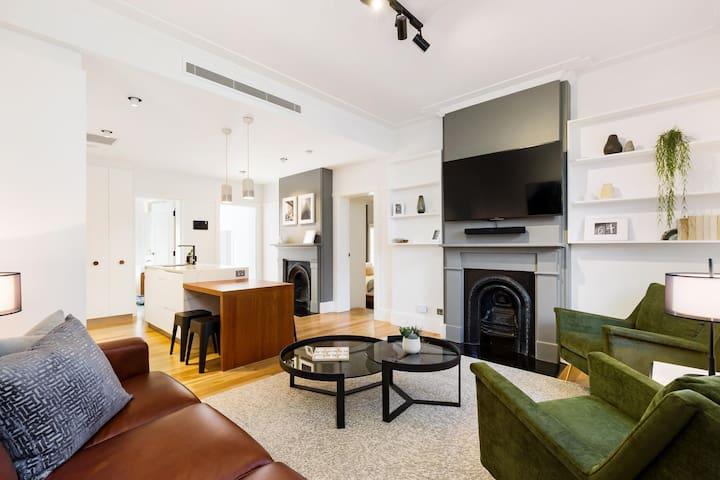 Luxury Heritage Apartment In The Rocks