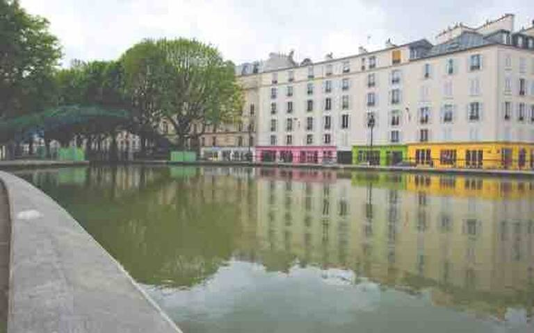 Romantic and luxurious flat at Canal Saint Martin