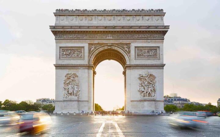Bel appartement près des Champs Elysées