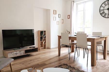 Appartement dans belle demeure