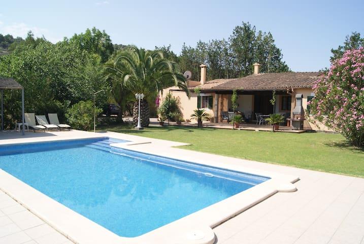 Casa rural mallorquina con piscina