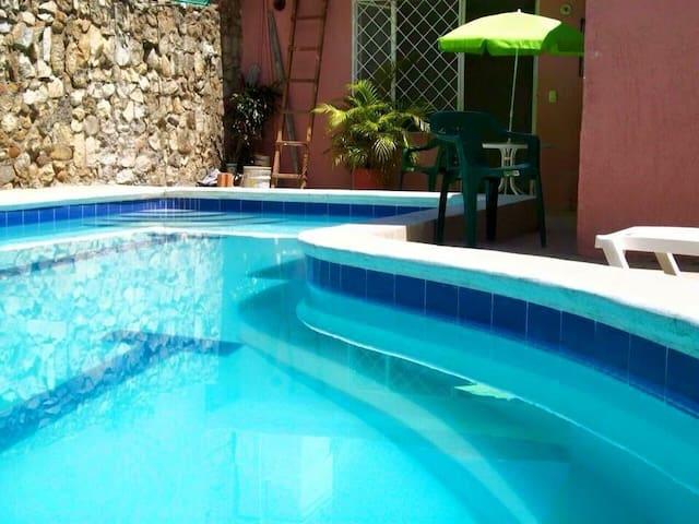 Hermosa Casa con Piscina PRIVADA - Tocaima  - Cabin