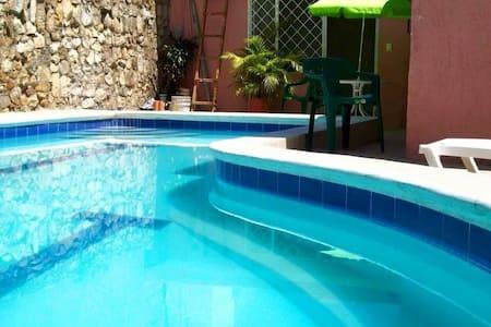 Hermosa Casa con Piscina PRIVADA - Tocaima  - Zomerhuis/Cottage