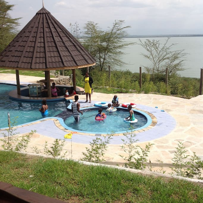 Great swimming pool by the lake shoreline
