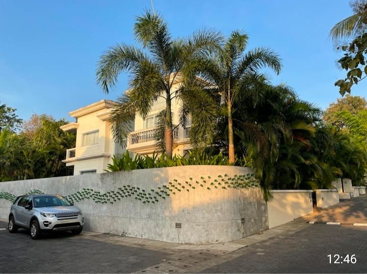 Villa with Private Swimming Pool in North Goa