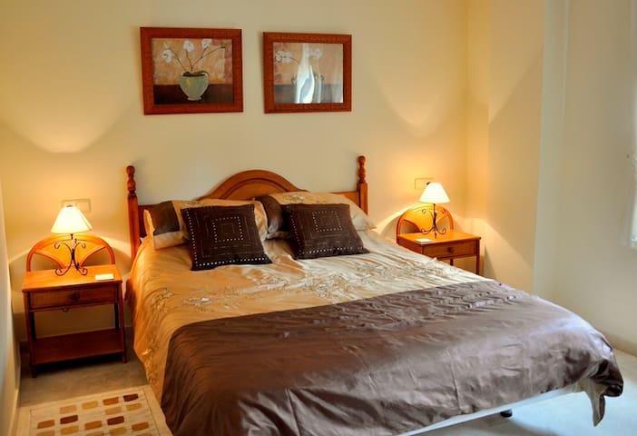 Beachside apartment in New Golden Mile - Estepona - Lägenhet