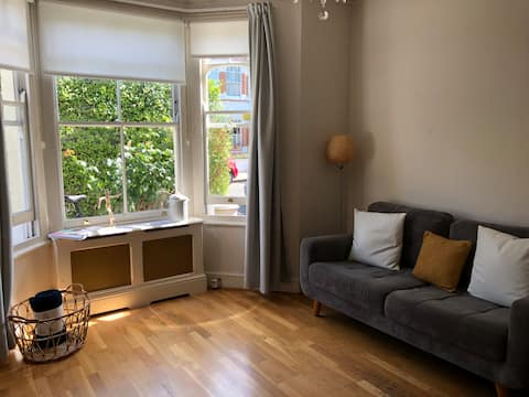 Lovely and Comfy Double Bedroom with Huge Garden