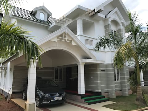 Luxury Villa near Nedumbassery Cochin Airport