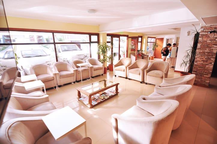 Doble Económica Hotel Maracas