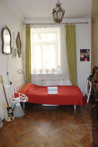 Небольшая скромная квартирка в историческом центре