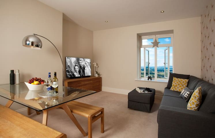 The Views, Luxury Apartment, Malvern, Sleeps 2