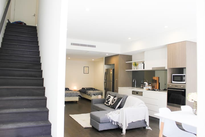New and modern loft near Sydney CBD