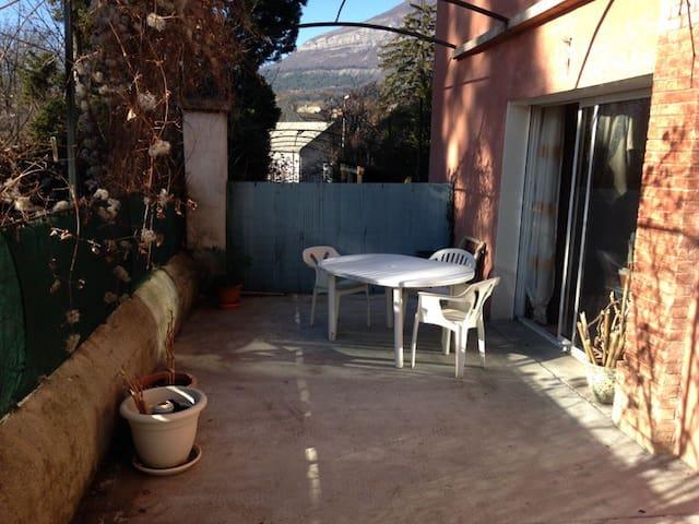 Studio Cosy avec terrasse