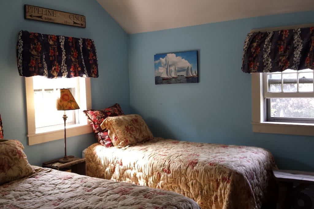 Guestroom for two, can fit 3 for extra charge