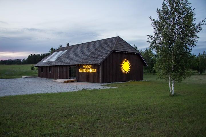 Voose Päikesekodu - unikaalne põhust seminarihoone