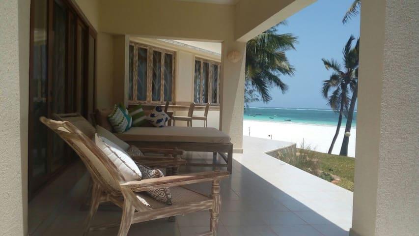 Amazing Beach Front Villa,Diani Beach - Diani Beach - Villa