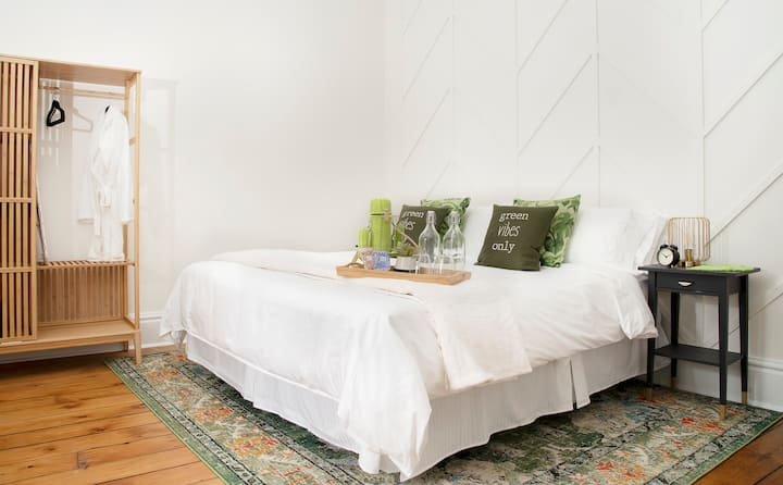 Boutique Stay in Charming Port Dalhousie - Room C