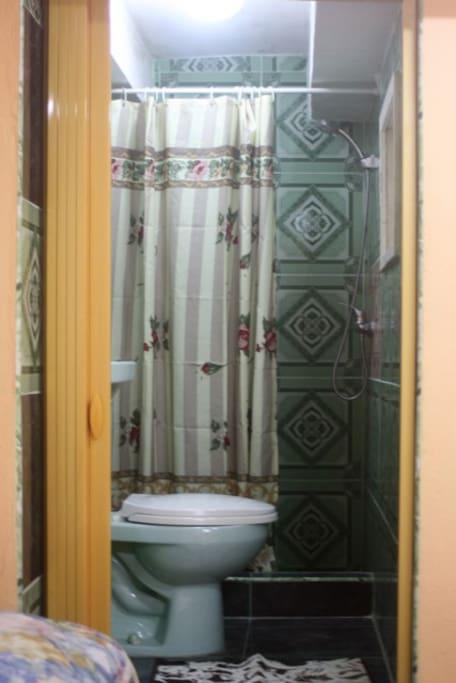 Baño propio en la habitación