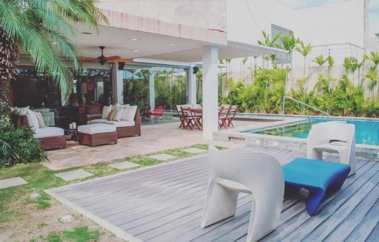 Hermosa casa con piscina en la mejor zona