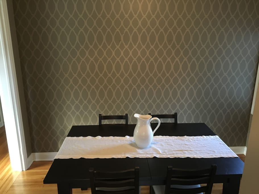 Private guest bedroom outside of minneapolis houses for for Best private dining rooms minneapolis