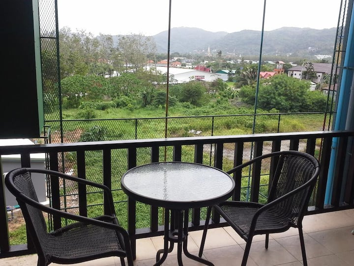 Cozy Double Room, balcony 500 m. to Tiger Gym.