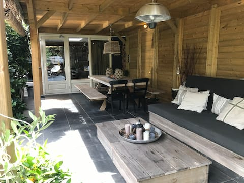 Tinyhouse(2-4 prs) in garden with a nice veranda