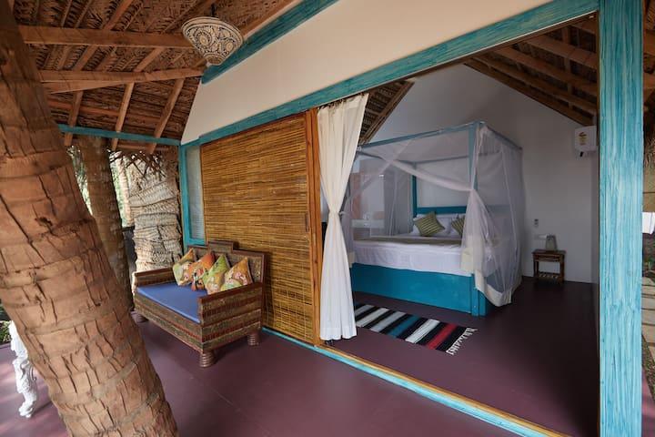 Parvati Sea Front Luxury Cottage at Patnem Beach